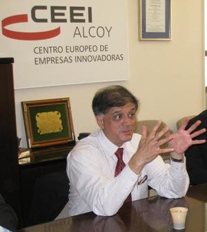 """Francisco Javier Carrillo: """"La crisis actual puede ser un catalizador de desarrollo del conocimiento"""""""