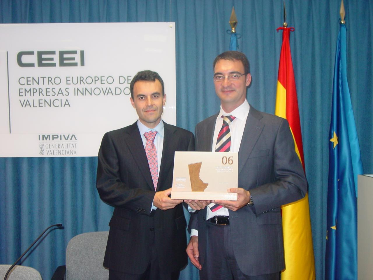 Ignacio González y Jose Vicente García en la entrega de los premios CEEI-IMPIVA 2006