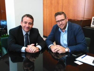 Manuel Illueca, DG del IVF junto a Jose Vicente Villaverde, presidente de AJEV.
