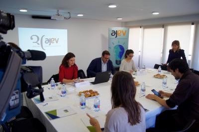 Encuentro con medios de comunicación que AJEV ha celebrado hoy
