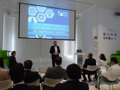 """Presentación libro """"Retos y Perspectivas de la Sociedad Digital para Intermediarios Financieros"""
