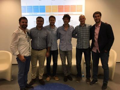 De izq. a dcha. Luis Soldevila (CEO Brandmanic), Javier Galdón (Gerente Brandmanic), Gonzalo García (CEO Carcrash), Goiko Peiró (Cofundador Grow Pro Experience), Sebas Borreani (Cofundador Entrenarme)