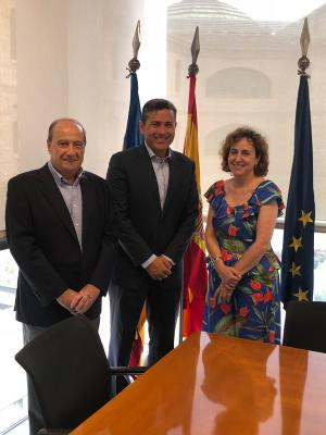 Reunión entre Julia Company, Carlos Ledó y Jesús Casanova