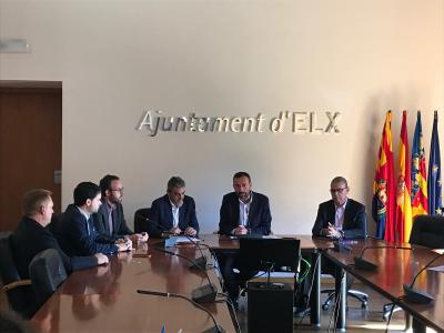 La firma del convenio ha tenido lugar en la sala del Consell del Ayuntamiento
