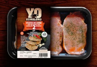 Bandeja de plastico con carne