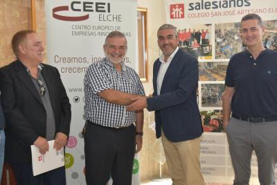 Firma convenio entre el director de Salesianos y el presidente del CEEI Elche