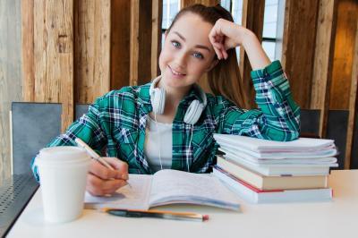 Becas para estudiar: ¿qué ayudas puedo solicitar?