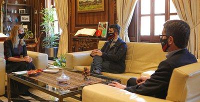 El presidente de CEEI Castellón, Alfredo Cebrián, visita a la alcaldesa de Castelló